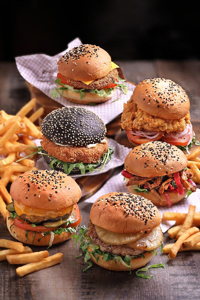 Clarke-Quay-Burger---Group-(Portrait)
